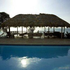 Отель Jakes Hotel Ямайка, Треже-Бич - отзывы, цены и фото номеров - забронировать отель Jakes Hotel онлайн бассейн