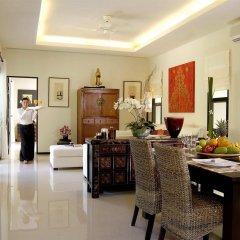 Отель Two Villas Holiday Oriental Style Layan Beach Таиланд, пляж Банг-Тао - отзывы, цены и фото номеров - забронировать отель Two Villas Holiday Oriental Style Layan Beach онлайн интерьер отеля фото 3