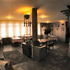 Hotel Zelve гостиничный бар