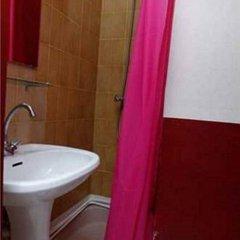 Hotel Du Pont Neuf Париж ванная фото 2