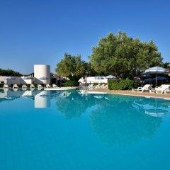Отель TH Simeri - Simeri Village Италия, Катандзаро - отзывы, цены и фото номеров - забронировать отель TH Simeri - Simeri Village онлайн бассейн фото 2