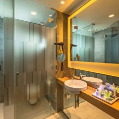 Отель NH Collection Madrid Suecia Испания, Мадрид - 1 отзыв об отеле, цены и фото номеров - забронировать отель NH Collection Madrid Suecia онлайн ванная