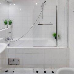 Отель Charles Bridge Premium Apartments Чехия, Прага - отзывы, цены и фото номеров - забронировать отель Charles Bridge Premium Apartments онлайн ванная