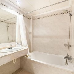 Отель Globales Condes de Alcudia ванная фото 2