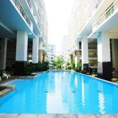 Отель Waterford Condominium Sukhumvit 50 Бангкок бассейн