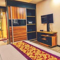 Отель Clear Sky Inn By Wonderland Maldives Мале удобства в номере