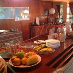 Stoney Creek Resort - Hostel Вити-Леву питание