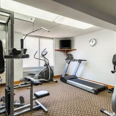 Отель Clarion Inn and Summit Center фитнесс-зал фото 3
