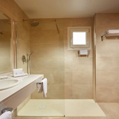 Las Arenas Hotel ванная