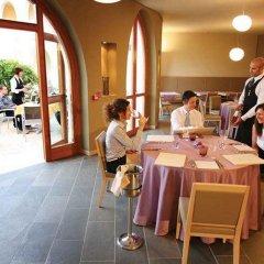 Отель Manerba Del Garda Resort Монига-дель-Гарда помещение для мероприятий