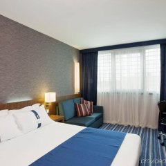 Отель Holiday Inn Express Lisbon Airport комната для гостей фото 3