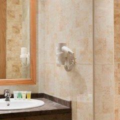 Отель Ramada Resort by Wyndham Dead Sea Иордания, Ма-Ин - 1 отзыв об отеле, цены и фото номеров - забронировать отель Ramada Resort by Wyndham Dead Sea онлайн ванная