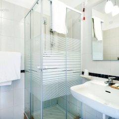 Отель Mondello Palace Hotel Италия, Палермо - отзывы, цены и фото номеров - забронировать отель Mondello Palace Hotel онлайн ванная