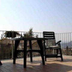 Отель Agriturismo Le Viole Здание Barolo балкон