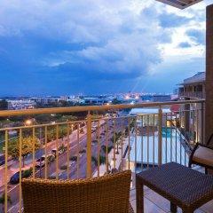 Отель Courtyard by Marriott Kingston, Jamaica Ямайка, Кингстон - отзывы, цены и фото номеров - забронировать отель Courtyard by Marriott Kingston, Jamaica онлайн балкон