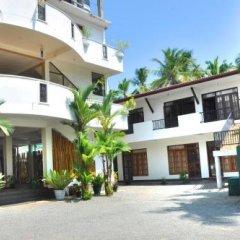 Отель Green Shadows Beach Hotel Шри-Ланка, Ваддува - отзывы, цены и фото номеров - забронировать отель Green Shadows Beach Hotel онлайн парковка
