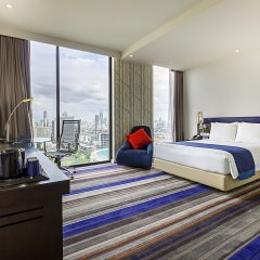 Отель Holiday Inn Express Bangkok Siam Таиланд, Бангкок - 3 отзыва об отеле, цены и фото номеров - забронировать отель Holiday Inn Express Bangkok Siam онлайн комната для гостей фото 3