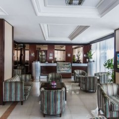 Landmark Summit Hotel гостиничный бар