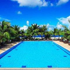 Отель Hulhule Island Hotel Мальдивы, Мале - отзывы, цены и фото номеров - забронировать отель Hulhule Island Hotel онлайн бассейн фото 3