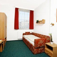 Отель Pension Union Сланы комната для гостей фото 3