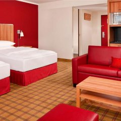 Отель Four Points By Sheraton Munich Central комната для гостей фото 3