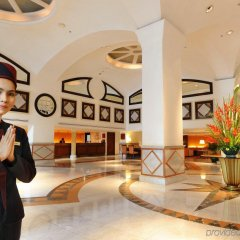 Rembrandt Hotel Suites and Towers Бангкок интерьер отеля фото 2