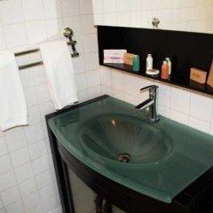 Отель Golden Cove Resort ванная фото 2