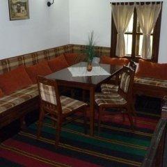 Отель Parlapanova Guest House - Pool Access Боженци питание