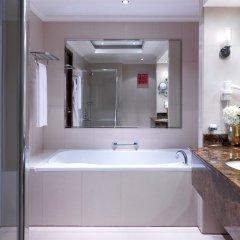 Отель Park Regis Kris Kin Hotel ОАЭ, Дубай - 10 отзывов об отеле, цены и фото номеров - забронировать отель Park Regis Kris Kin Hotel онлайн ванная фото 2