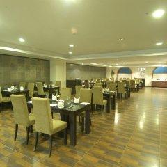 Отель Mapple Emerald New Delhi Индия, Нью-Дели - отзывы, цены и фото номеров - забронировать отель Mapple Emerald New Delhi онлайн питание