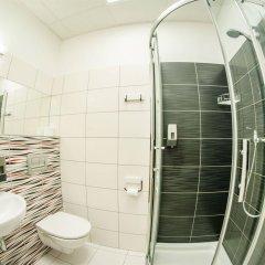 Отель Traffic Польша, Познань - отзывы, цены и фото номеров - забронировать отель Traffic онлайн ванная