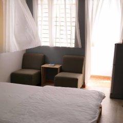 Отель F5 House комната для гостей