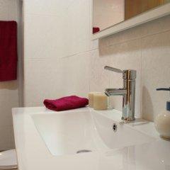 Отель Apartamentos Lonja Валенсия ванная фото 2