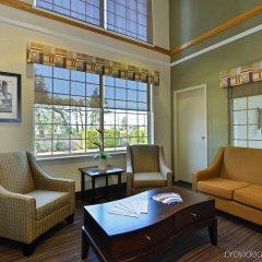 Отель Canadas Best Value Inn Langley Лэнгли интерьер отеля фото 3