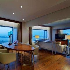 Conrad Istanbul Bosphorus Турция, Стамбул - 3 отзыва об отеле, цены и фото номеров - забронировать отель Conrad Istanbul Bosphorus онлайн комната для гостей