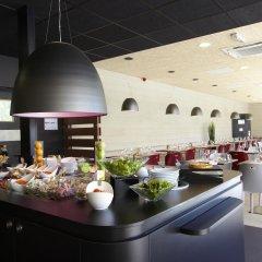 Отель Campanile Nice Airport гостиничный бар