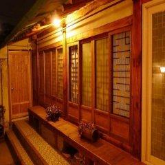 Отель HanOK Guest House 201 Южная Корея, Сеул - отзывы, цены и фото номеров - забронировать отель HanOK Guest House 201 онлайн балкон