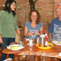 Отель Nha Lan Homestay Хойан питание фото 3