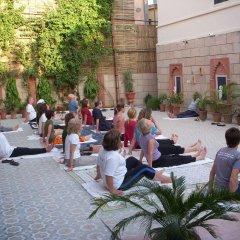 Suryaa Villa - A City Centre Hotel фитнесс-зал фото 4