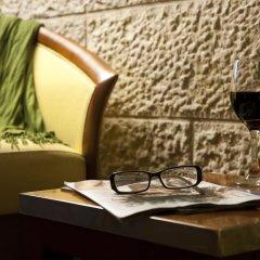 Dan Jerusalem Израиль, Иерусалим - 2 отзыва об отеле, цены и фото номеров - забронировать отель Dan Jerusalem онлайн удобства в номере фото 2