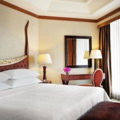 Royal Orchid Sheraton Hotel & Towers комната для гостей