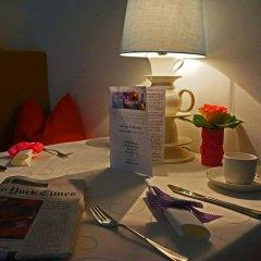 Отель Altstadthotel Weisse Taube Австрия, Зальцбург - отзывы, цены и фото номеров - забронировать отель Altstadthotel Weisse Taube онлайн в номере