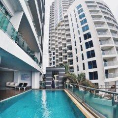 Отель Royal Beach View Suites Паттайя бассейн