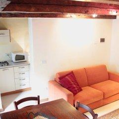 Отель Venetian Apartments Rialto Италия, Венеция - отзывы, цены и фото номеров - забронировать отель Venetian Apartments Rialto онлайн комната для гостей фото 5