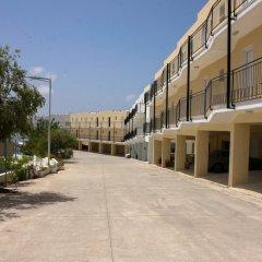 Отель Peyia Pearl парковка