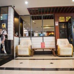 Отель Zen Rooms Basic Phra Athit Бангкок интерьер отеля