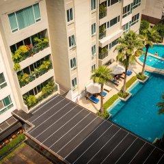 Отель Legacy Suites Sukhumvit by Compass Hospitality Таиланд, Бангкок - 2 отзыва об отеле, цены и фото номеров - забронировать отель Legacy Suites Sukhumvit by Compass Hospitality онлайн бассейн фото 2