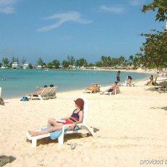 Отель Rooms on the Beach Ocho Rios пляж