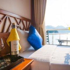 Отель Gray Line Halong Cruise Халонг в номере
