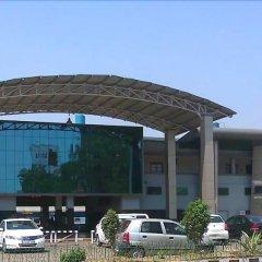 Отель Le ROI Raipur парковка